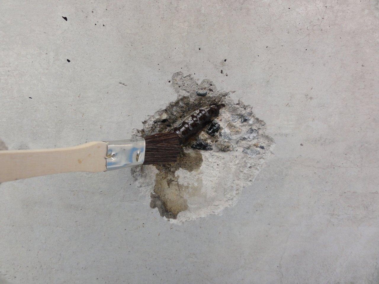 爆裂補修2 改良剤塗布