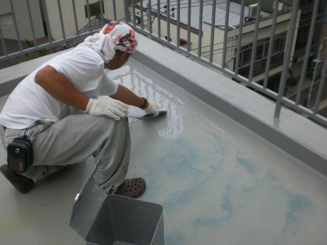 屋上防水5 ウレタン1回目塗布